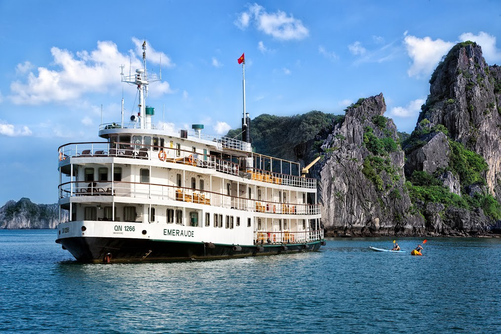 Du thuyền Emeraude Classic