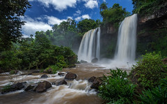 Salto Dos Hermanos (dwfphoto) Tags: argentina waterfall waterfalls iguazu iguassu iguassufalls cataratasdoiguacu