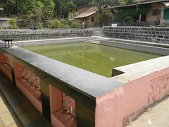 Small pond in premises of Shri Ballaleshwar Temple, Pali (Sachin Baikar) Tags: maharashtra pali ganpati ashtavinayak ballaleshwar ballaleshwartemple