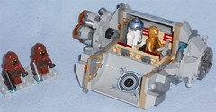Lego 75136 - Droid Escape Pod (Darth Ray) Tags: star pod escape lego r2d2 wars droid c3po jawas 2x 75136