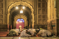 Muslims Worship @ Badshahi Mosque, Lahore, Punjab, Pakistan (Feng Wei Photography) Tags: travel pakistan horizontal architecture religious outdoors ancient worship asia muslim islam prayer religion landmark mosque pk punjab lahore islamic badshahimosque colorimage islamicculture mughalarchitecture indiansubcontinent