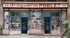 Drogueria Poblet (neg_ocio) Tags: cerrado juego letrero antiguo cartel tipografa tradicional negocio
