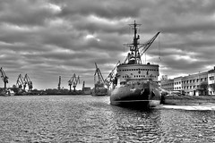 DSC_0606 (srgrumyantsev) Tags: travel blackandwhite water river stpetersburg photography ship russia outdoor petersburg hdr neva