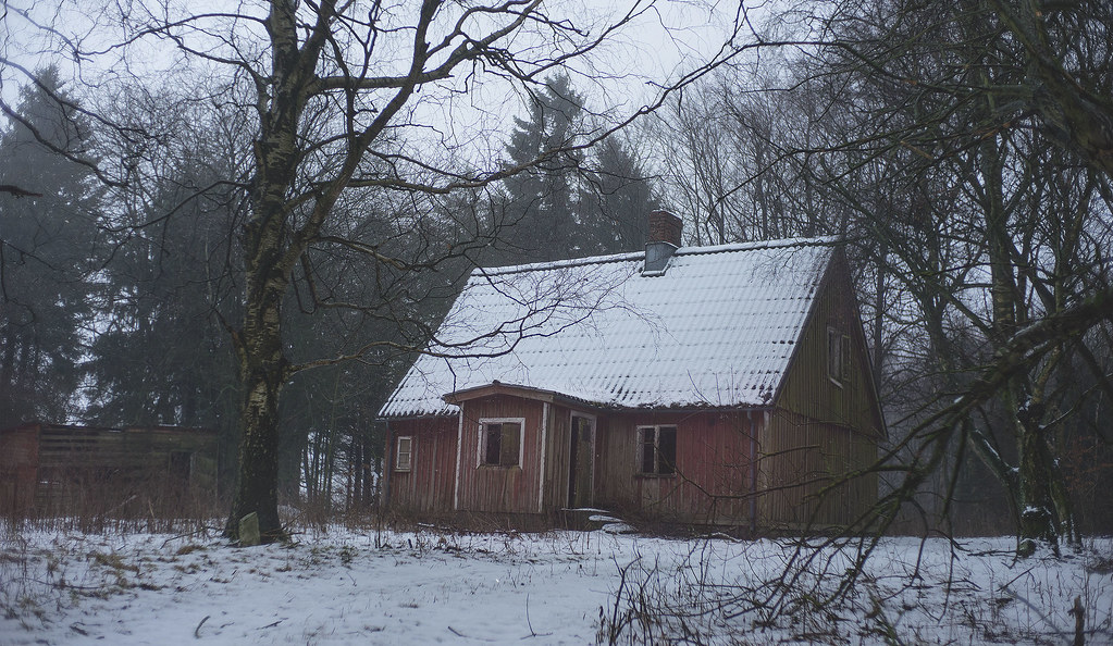 The world 39 s best photos of house and svensk flickr hive mind for Old house tracks