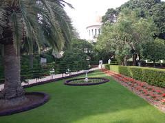 Baha'i Garden, Haifa (Fufulula, thanks for 1,5 million visits) Tags: green palmtree haifa bahaigarden shrineofthebab
