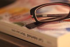 C'est mon quotidien (Mademoiselle N) Tags: glasses book read lecture soir lunettes livre quotidien bouquin