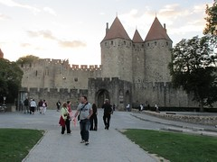 2010 09 08 Francia - Linguadoca Rossiglione - Carcassonne - Place du Prado_0787 (Kapo Konga) Tags: mura francia carcassonne ferie languedocroussillon citta cittamedievale