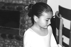 Ready to dance (Mariam Michelle) Tags: light people bw ballet white black blanco luz girl beauty face person dance eyes child y gente little perfil concierto negro cara profile dancer personas ready baile bailarina explored