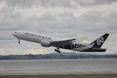 ZK-OKC (Photos from New Zealand and elsewhere) Tags: boeing akl airnewzealand anz 777200 b772 nzaa zkokc