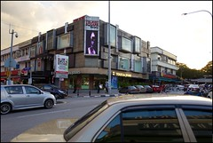 160229 Telawi 34 (Haris Abdul Rahman) Tags: leica streetphotography malaysia kualalumpur telawi bangsarbaru leicaq wilayahpersekutuankualalumpur typ116 harisabdulrahman harisrahmancom fotobyhariscom