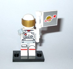 71011 2 astronaut minifigure lego series 15 minifigures 2016 b (tjparkside) Tags: 2 two white gold golden with lego space flag helmet 15 mini astronaut suit figure series figures spacesuit visor fifteen minifigure 2016 minifigures 71011