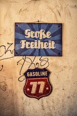 Groe Freiheit (Fliwatuet) Tags: berlin kreuzberg germany de deutschland panasonic ostern bergmannstr m43 mft em5 20mm17 olympusomd