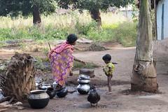 Bastar - Chhattisgarh - India (wietsej) Tags: india zeiss child sony mother 2470 chhattisgarh a900 bastar sal2470z