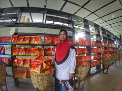 Wife (My Pretty Bride) Tags: cameronhighlands intan gopro bohtea sungaipalas