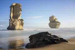 Exploring the Gibson Steps (Derek Midgley) Tags: sandstone perfect rocks awesome australia greatoceanroad twelveapostles sentinels gibsonsteps greatlights gogandmagog dsc03101