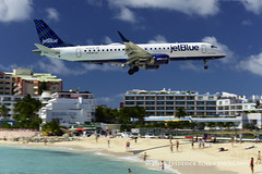 Jet Blue E190 ~ N236JB ( Freddie) Tags: jetblue sunsetbeach stmaarten maho sxm sintmaarten embraer mahobeach princessjulianainternationalairport e190 dutchcaribbean n236jb sxmtncm thefriendlyisland fjroll