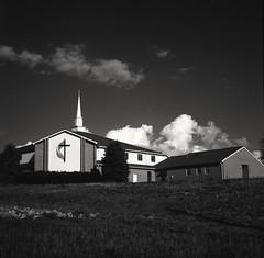 Harmony Christian Church (matthew.vortex) Tags: blackandwhite church monochrome mediumformat landscape kentucky georgetown soviet zonesystem redfilter aristaedu100 salyut industar29