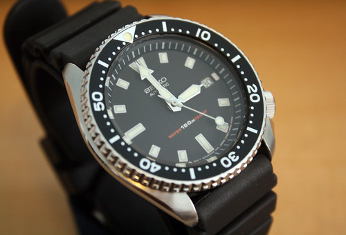 SEIKO AUTOMATIC 7002-7009 Gentlemen's Diver Watch - a photo on