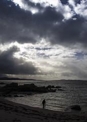 Horizon (52weeks2016#01 - New Beginnings) (ponzoñosa) Tags: sea sky beach clouds island mar horizon playa atlantic contraste isla atlántico illa arousa 52weeks