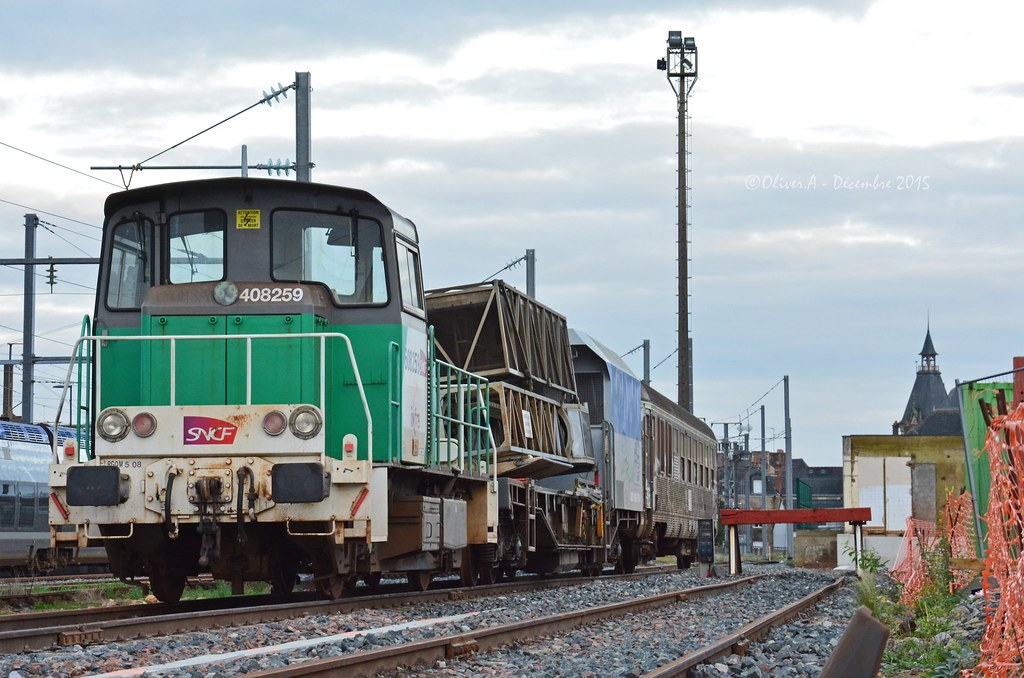 Y8259 - Plateforme PF7 (- Oliver -) Tags: art train inspection dev ...