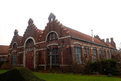 Borstelfabriek Delhaize, Brugge (Erf-goed.be) Tags: geotagged brugge westvlaanderen fabriek delhaize archeonet geo:lat=512185 borstelfabriek steenkaai geo:lon=32026