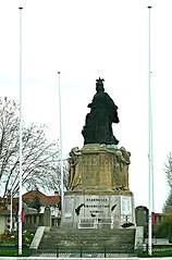 Arcachon, Gironde: le rond-point du monument aux morts, Alexandre Maspoli. (Marie-Hlne Cingal) Tags: france 33 roundabout monumentauxmorts arcachon rondpoint rotonde sudouest aquitaine gironde