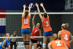 PG0O6542_R.Varadi (Robi33) Tags: game girl sport ball switzerland championship team women action basel tournament match network volleyball block volley referees viewers