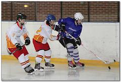 Hockey Hielo - 65 (Jose Juan Gurrutxaga) Tags: ice hockey hielo txuri urdin txuriurdin izotz icebluecats file:md5sum=28767490715ada8eae8469009f75b375 file:sha1sig=7f9baf1085c2f7ff5b62d28cf3b78021e9396864