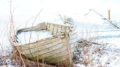 Bten/The boat (annesjoberg) Tags: boat overexposed highkey bt brygga verexponerad fotosondag fs160207