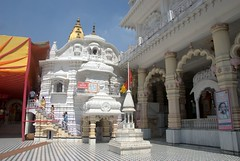 Main temple complex made with white marble (VinayakH) Tags: india religious temple delhi hindu hinduism chattarpur katyayani