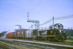 CB&Q NW2 9222 (Chuck Zeiler) Tags: railroad burlington train aurora locomotive chz emd nw2 cbq 9222