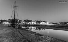 Blakeney quay at night (jerry_lake) Tags: longexposure bw night stars norfolk nightshoot le d750 f71 refections 30seconds iso250 blakeneyquay blakeneyhotel aril2016
