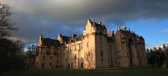 Fyvie Castle, Aberdeenshire (PeskyMesky) Tags: sunset castle history architecture sunrise canon scotland aberdeenshire outdoor pov pointofview aberdeen northeastscotland fyviecastle canoneos500d