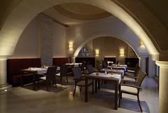RSH Djerba (Primatours) Tags: restaurant hotel design djerba resort tisch interiordesign glas stuhl bogen tunesien durchblick radissonsas sule orientalisch gedecktertisch 4sterne gedeck korbstuhl lichtstimmung rezidor wandleuchte marmorfussboden sule