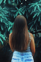 Oh, the hair (TheJennire) Tags: camera blue light brazil green luz nature girl fashion brasil canon hair cores photography photo colours foto sister young style colores jeans teen indie faceless shorts fotografia sorocaba camara cabelo pelo cabello tumblr