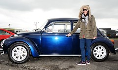 Carmen & Blue VW (Fast an' Bulbous) Tags: santa england people woman hot sexy classic girl car vw volkswagen pod nikon automobile outdoor beetle gimp mature german vehicle oldtimer aircooled d7100