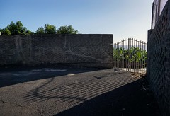 La Palma 2015 (eatmymoto) Tags: shadow holiday sunshine wall island coast spain gate europa europe urlaub insel tor lapalma canaries schatten canaryislands mauer espagna kste platanos bananen vulkan kanarischeinseln