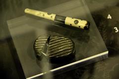 Anglų lietuvių žodynas. Žodis cigar lighter reiškia cigaras žiebtuvėlis lietuviškai.