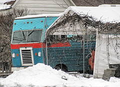 Vintage Motorhome (Eyellgeteven) Tags: blue winter red white snow cold classic wet vintage vehicle snowing 1960s rv 1970s motorhome madeinusa americanmade twotone recreationalvehicle eyellgeteven