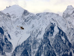To the rescue! (oobwoodman) Tags: schnee rescue snow mountains alps alpes schweiz switzerland chopper suisse berge snowcapped helicopter neige alpen lman montagnes hubschrauber hlicoptre grandvaux rettungsflug