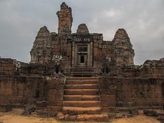 "Angkor: le temple du Mébon oriental <a style=""margin-left:10px; font-size:0.8em;"" href=""http://www.flickr.com/photos/127723101@N04/24212580681/"" target=""_blank"">@flickr</a>"