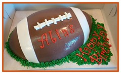 Football cake by Northern Utah, www.birthdaycakes4free.com