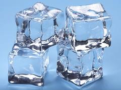 PH00960 (Beatriz_Cristina001) Tags: cold ice gelo is led cubes kalt eis fro freddo froid hielo wrfel glace  ijs ghiaccio ld koud jg j  geleira cubos kall    zimny ijsblokjes kylm cubetti   kostki hideg kuber kostky    kockk  kuutiot   chladn