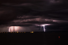 Thunderstorm, Darwin (betadecay2000) Tags: travel sea rain weather port see meer outdoor urlaub wolken reis darwin thunderstorm australien northern ta gewitter strom regen dunkel wetter territory australie weer holyday sturm austral unwetter ozean austrralia gewittrig böenfont
