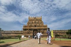 ( Explored ) Happy Weekend (www.amudhahariharan.com) Tags: temple entrance temples thanjavur asi gopuram tanjore rajaraja project365 indiantemples templesofsouthindia day52 amudhahariharan brahadeswara