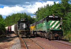 Meet at Eagle Mills Jct (GLC 392) Tags: trees lake 3 tree clouds mi ic illinois eagle michigan central superior junction bn local ge mills ore tilden 3008 lsi emd ishpeming neguanee sd60 sd70 5968 hlcx u30c l549