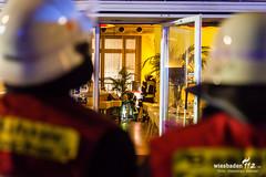Feuer Restaurant Luisenplatz 13.03.16 (Wiesbaden112.de) Tags: deutschland restaurant wiesbaden stadtmitte feuer feuerwehr deu sst innenstadt rauch luisenplatz degenhardt wiesbaden112 sebastianstenzelfotografie