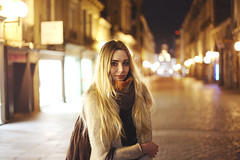 43/365 (Jerem's Photography) Tags: street light cute girl beautiful beauty smile night canon project photography friend pretty blond photograph modele blondgirl project365 365days 5dmarkiii