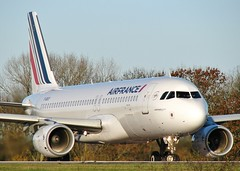F-GKXY (AnDrEwMHoLdEn) Tags: manchester airport airfrance a320 manchesterairport egcc 05l