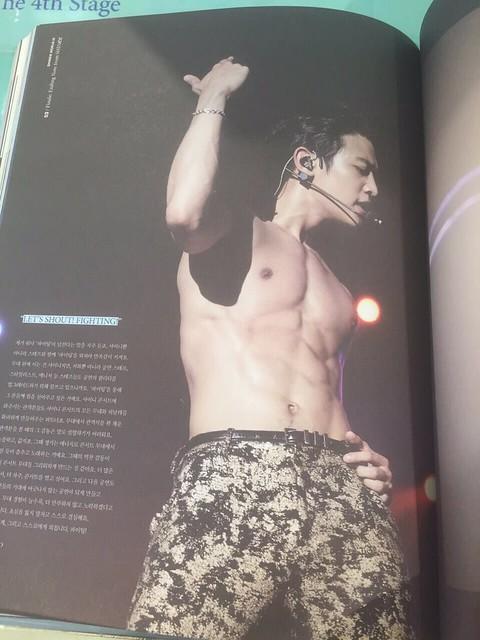 160421 SHINee @ Photobook SHINee World Concert IV 26064668533_31bac668ae_z